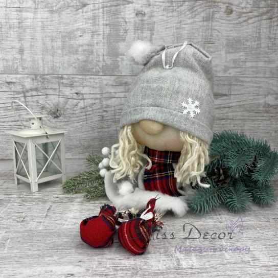 Новогодний гном девочка подвеска