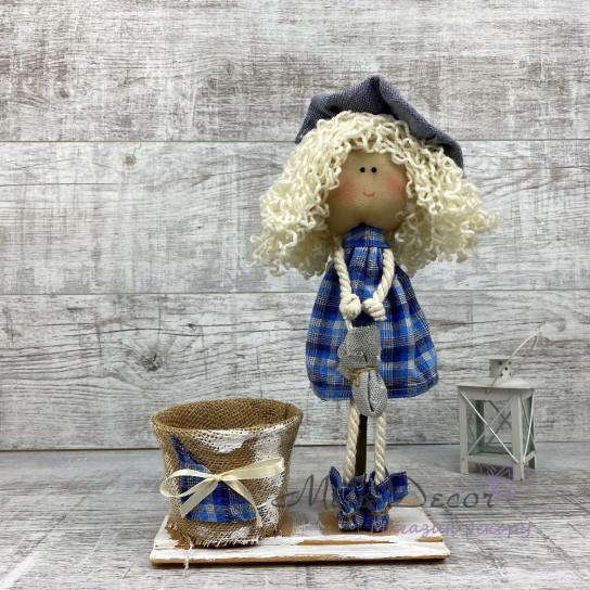 Кукла дама в шляпе