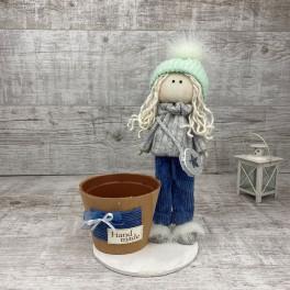 Интерьерная кукла в шапке и штанишках *рандомный выбор цвета