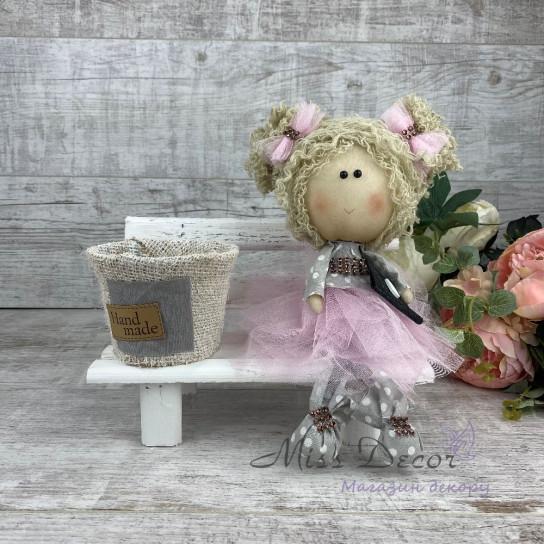 Интерьерная кукла на лавке *рандомный выбор цвета