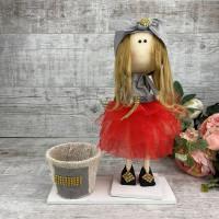 Кукла интерьерная в фатиновой юбке