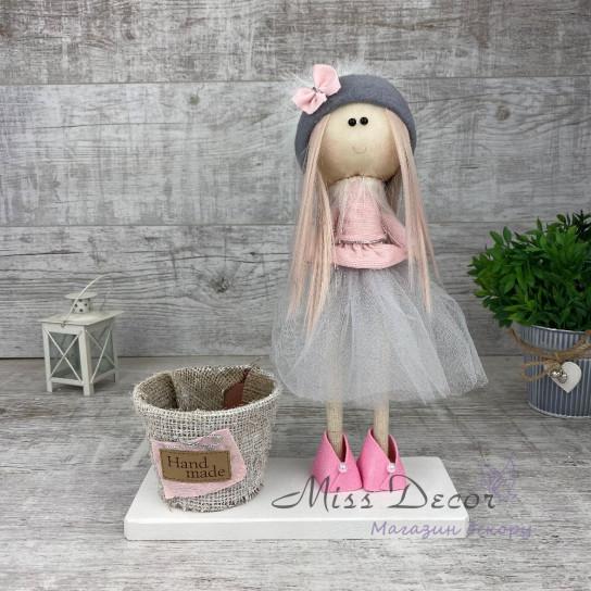 Интерьерная кукла в фатиновой юбке