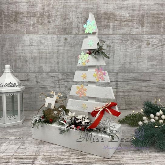 Новогодняя деревянная елка подсвечник
