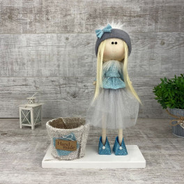 Интерьерная кукла в фатиновой юбке *рандомный выбор цвета